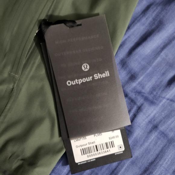 1c2336c78 NWT Lululemon Outpour Shell Rain Jacket - Medium NWT